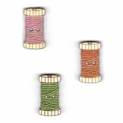 Botón de madera bobina de hilo.